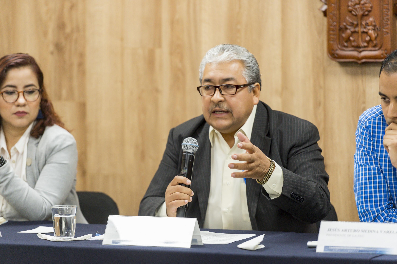El  maestro Héctor Luis del Toro Chávez es investigador de la Universidad de Guadalajara