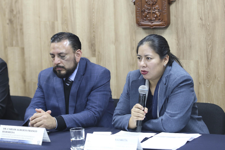 Jefa del Departamento de Estudios del Agua y la Energía, doctora Edith Xio Mara García García, haciendo uso de la palabra durante la rueda de prensa