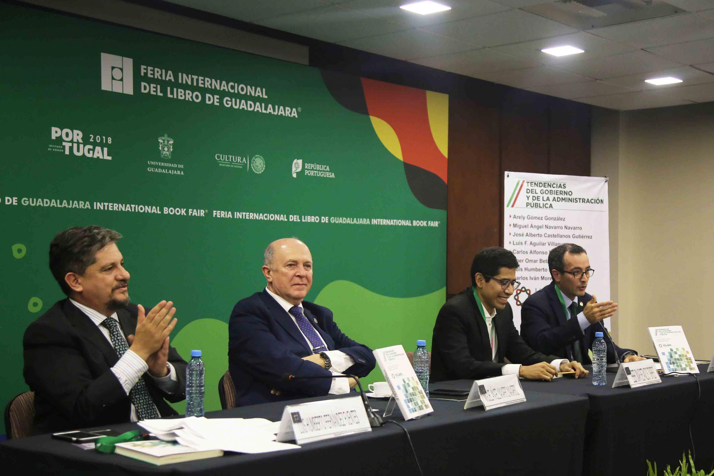 El Subsecretario de la Función Pública, doctor Eber Omar Betanzos Torres, apuntó que la administración pública necesita reinventarse