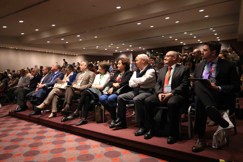 Publico asistente al Foro Los retos de la educación frente al nuevo acuerdo educativo