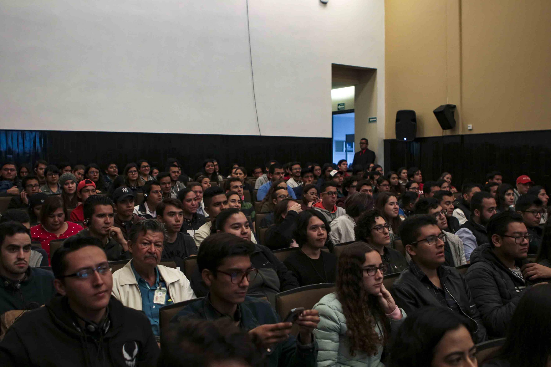 Estudiantes del CUCEI y participantes del reto Bosch-Day México.