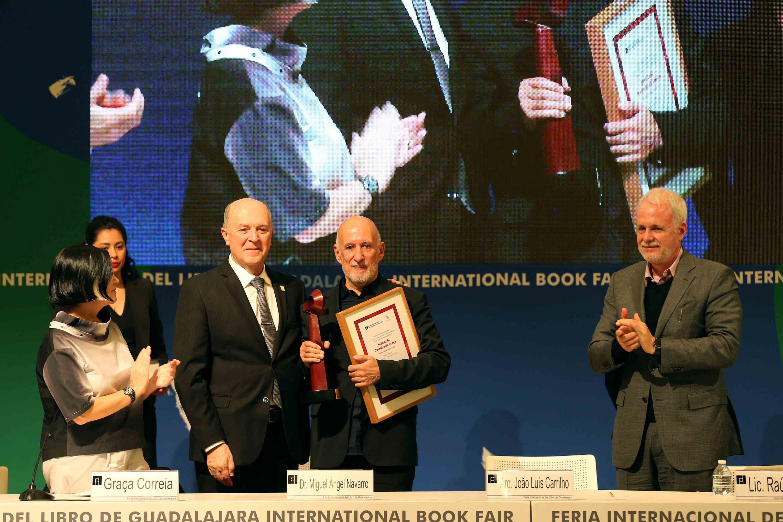 João Luís Carrilho da Graça; mostrando los premios y reconocimientos recibidos por su trayectoria.