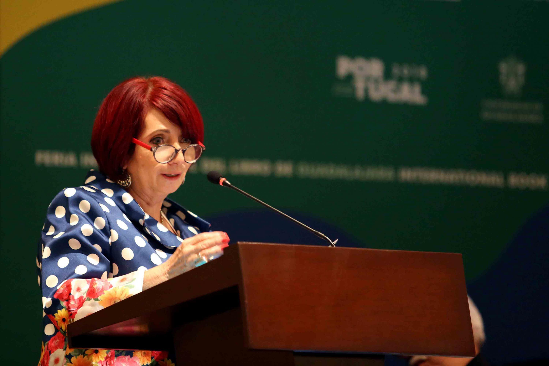 La Directora de la FIL, licenciada Marisol Schulz Manaut, haciendo uso de la palabra.