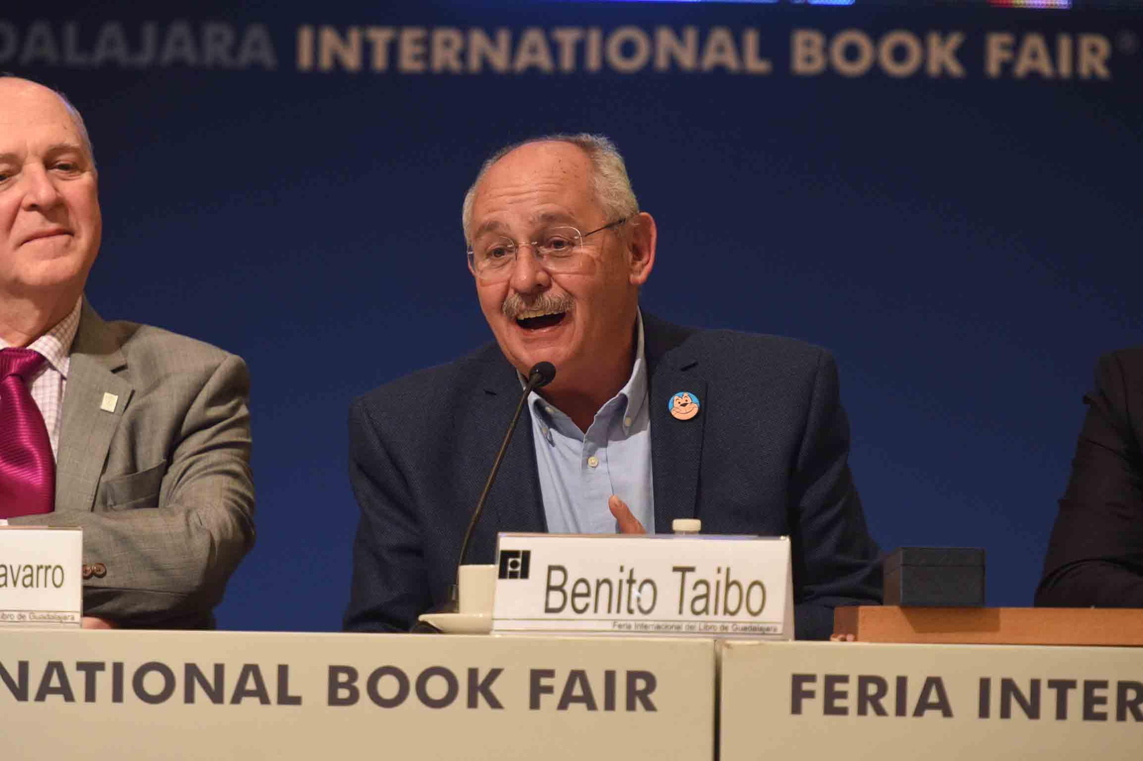 Benito Taibo, haciendo uso de la palabra durante su homenaje