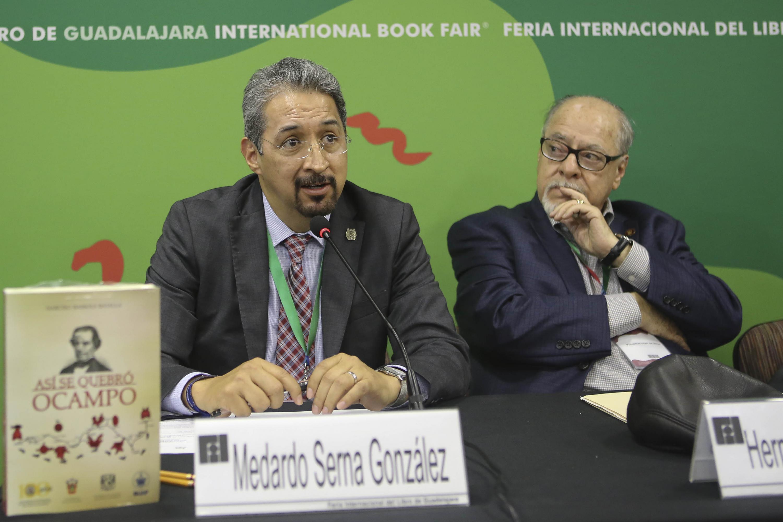 El Rector de la Universidad Michoacana de San Nicolás de Hidalgo, maestro Medardo Serna González
