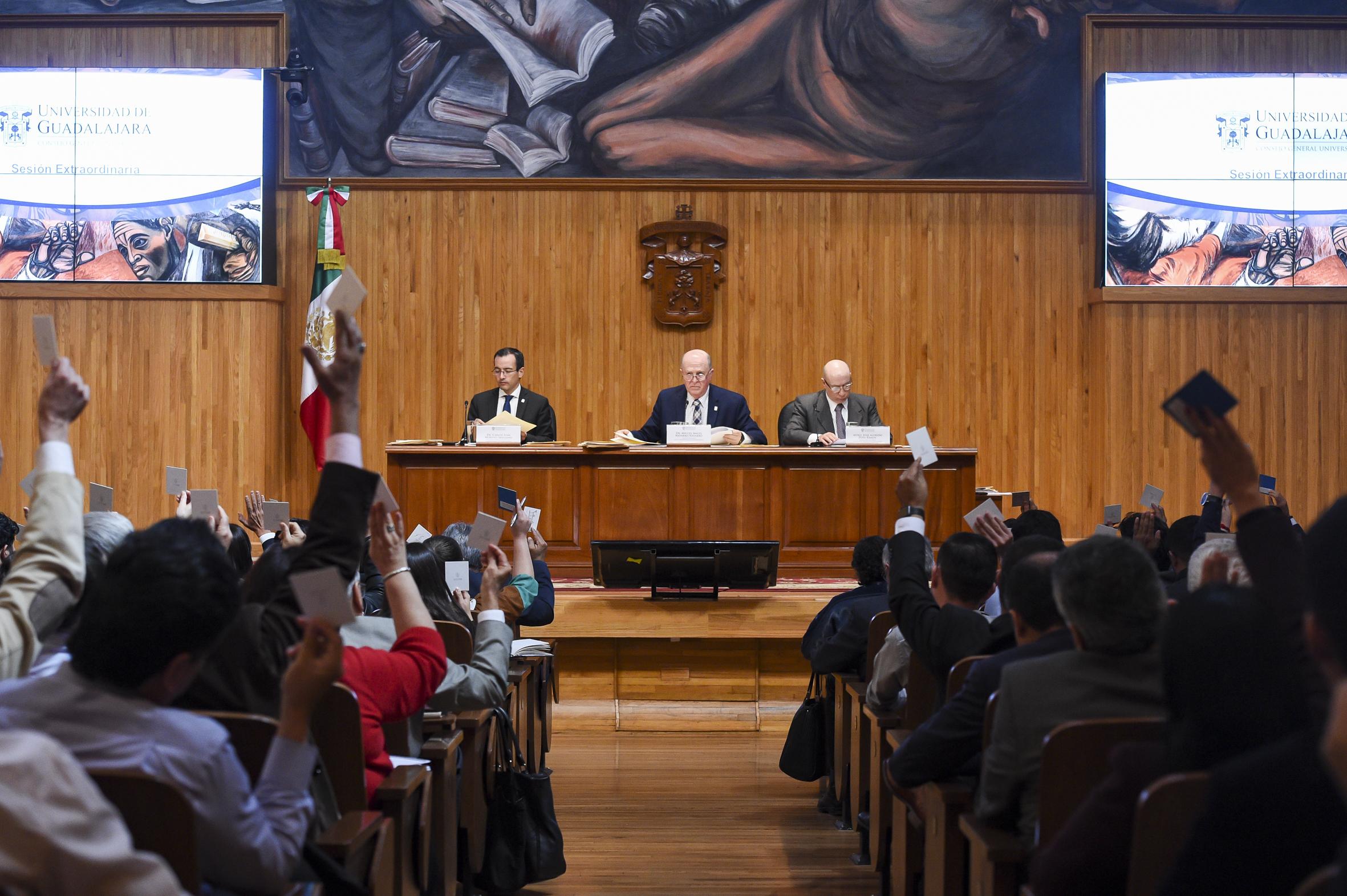 Sesión extraordinaria de Consejo General Universitario