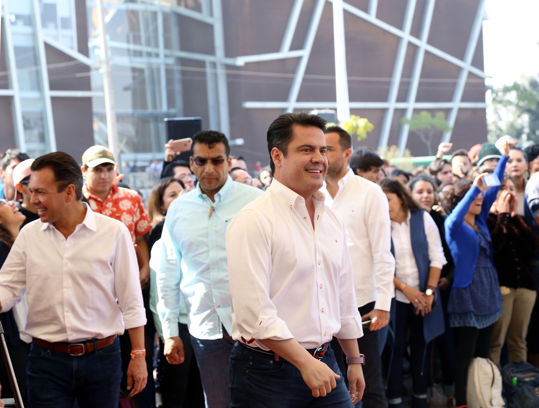 Gobernador de Jalisco, maestro Jorge Aristóteles Sandoval Díaz durante la inauguración de Viaducto Belenes