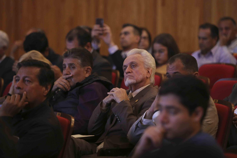 Jurado Parres es consejero universitario y estuvo presente en la sesion solemne
