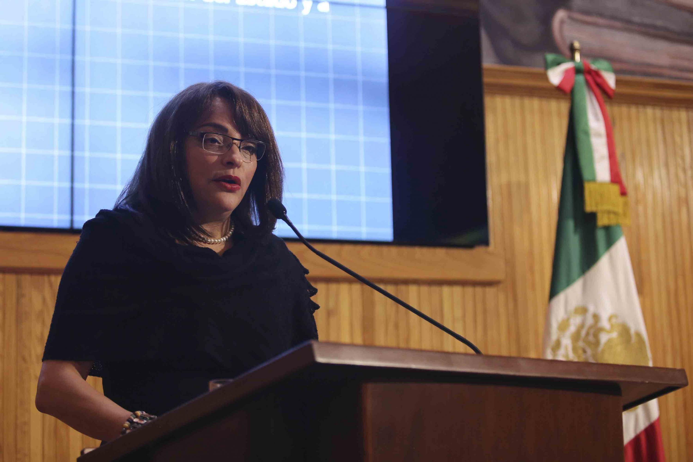 La doctora Silvia Patricia López González presento desde el podium su plan de trabajo frete al CGU