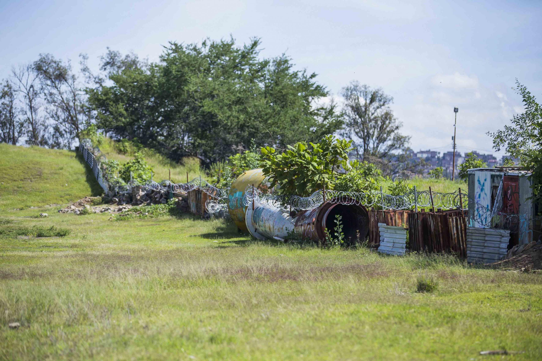 Chatarra es utilizada para marcar los linderos de terrenos en la zona arqueologica
