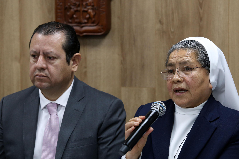 Presidenta del CIENF, licenciada Sor Estela Primero Hernández, haciendo uso de la palabra durante la rueda de prensa