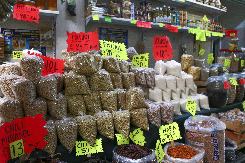 Un local de un mercado de la zona metropolitana donde venden granos y semillas