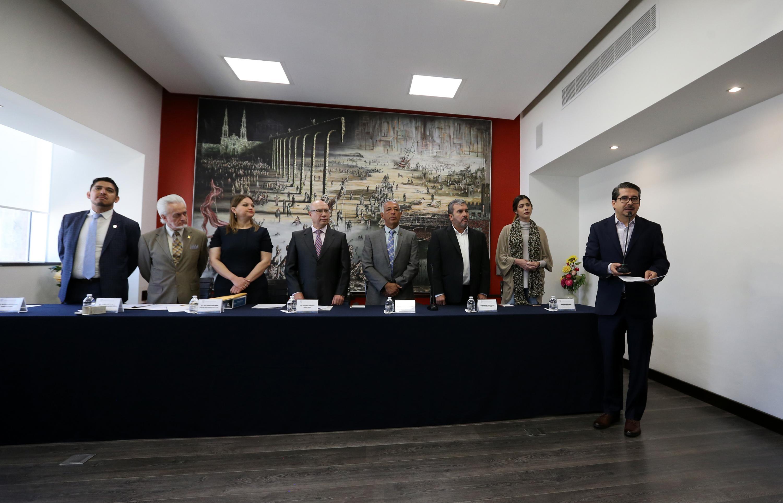 Alberto Castellanos presento su candidatura a la rectoria general frente a los miembros del Consejo Electoral