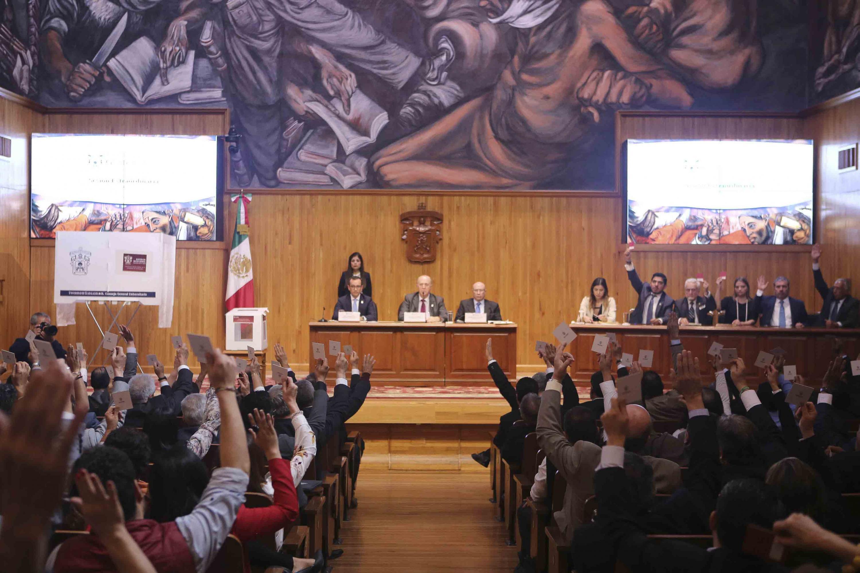 Sesión del CGU celebrada en el Paraninfo Enrique Díaz de León