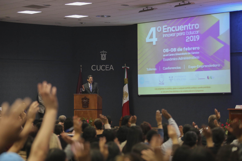 Vista general del Auditorio del CUCEA durante el evento
