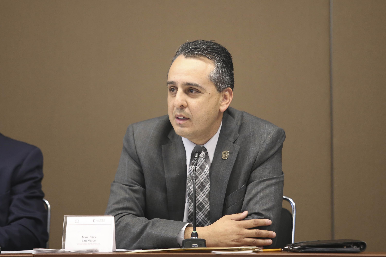El  Martín Ruvalcaba Barajas hablo con los presentes y dirigio la reunion