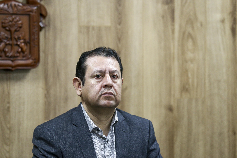 Presidente Ejecutivo del CIAM, doctor José Martín Gómez Lara, participando en  rueda de prensa