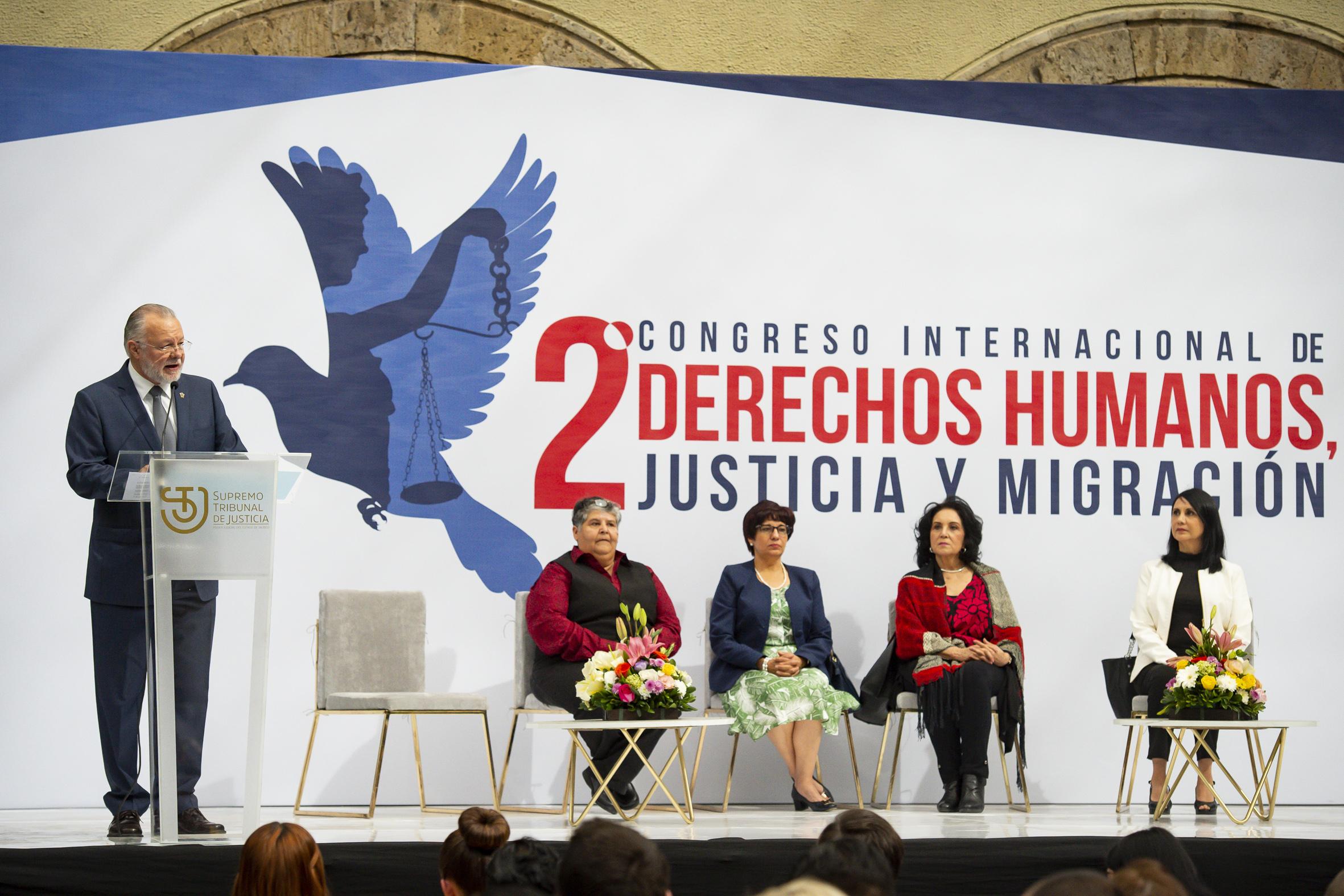 El licenciado Padilla Lopez habla en el segundo Congreso Internacional Derechos Humanos, Justicia y Migracion