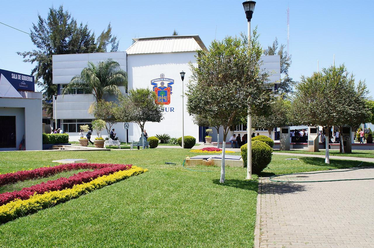 Edificio de Rectoría del Centro Universitario del Sur (CUSur), de la Universidad de Guadalajara.