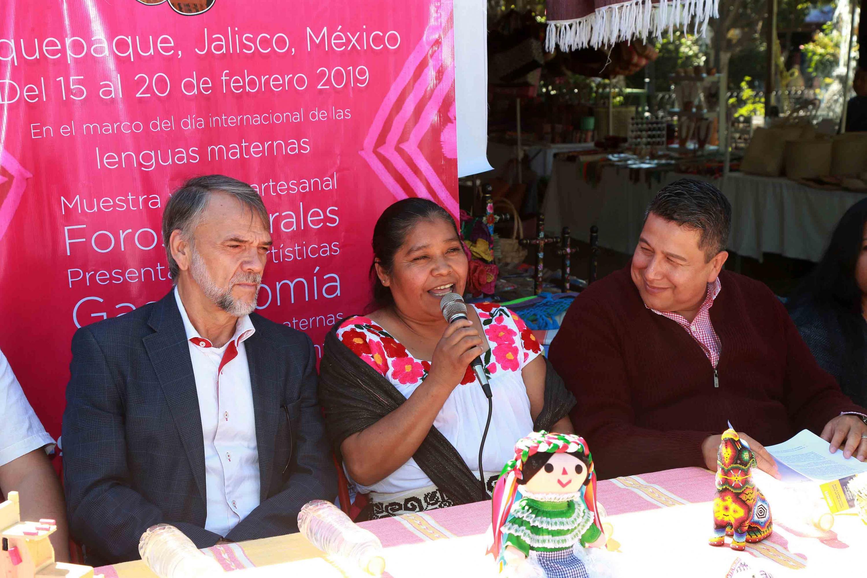 Esperanza Pérez Ruíz, indígena del Grupo Purépecha Jucha no Mirikurhini; haciendo uso de la palabra, en la inauguración del IV Festival Intercultural Indígena.
