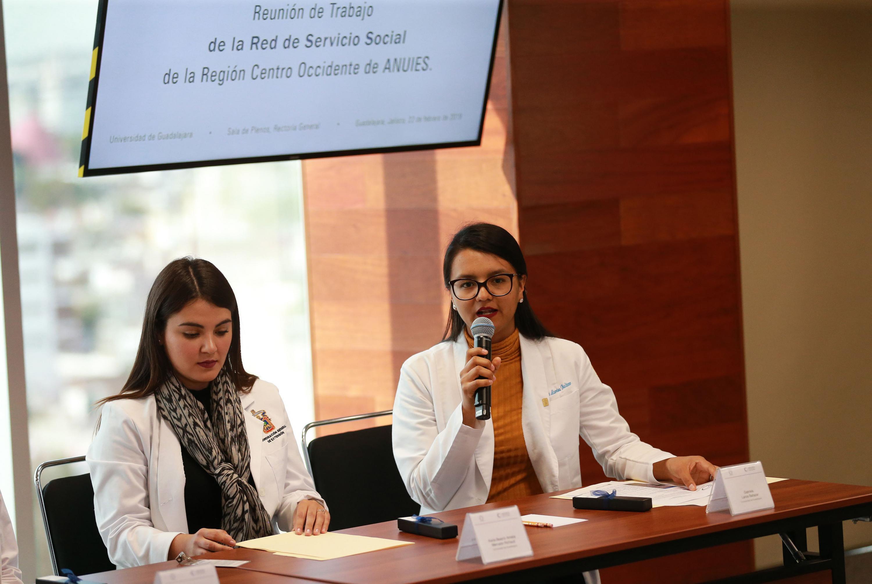 La doctora Gabriela Larios Baltazar es  la Coordinadora de las brigadas y hablo en el evento