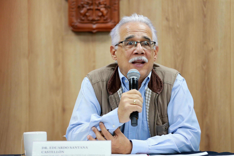 El doctor Eduardo Santana Castellón presentó ante reporteros la Mestra de Cine SocioAmbiental