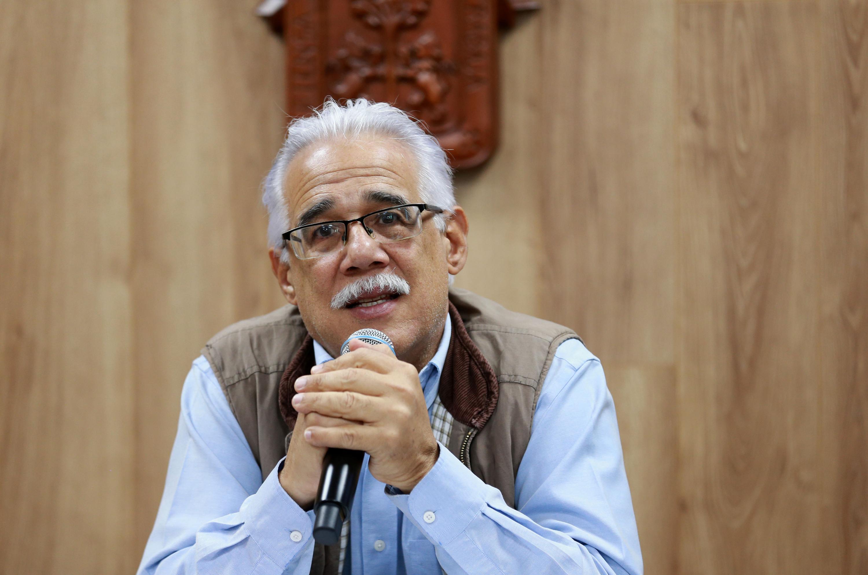 El doctor Eduardo Santana Castellón