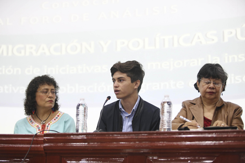 Desde el presidium Zaid Emilio González Quintero quien es migrante y cursa el último semestre de preparatoria