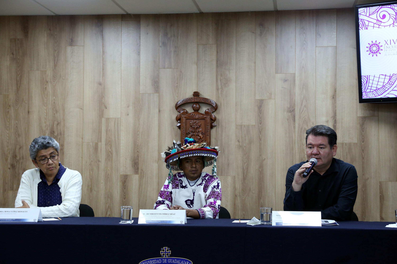 Maestro Jorge Ignacio Rosas, Coordinador de Investigación del CUNorte, participando en rueda de prensa.