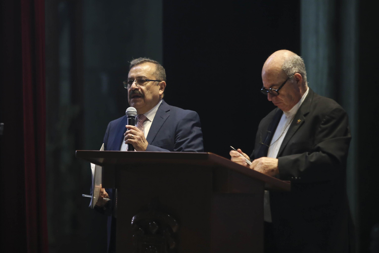 Francisco de la Peña, haciendo uso de la palabra durante la subasta