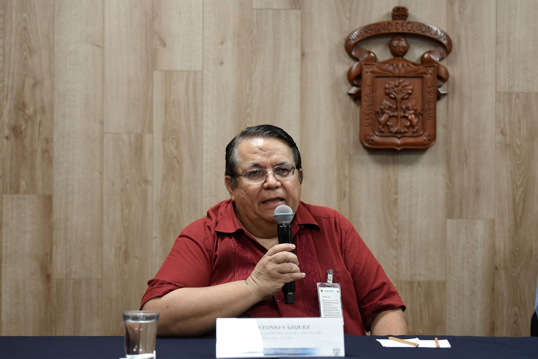 Doctor José Antonio Vázquez García, investigador del Departamento de Botánica y Zoología del CUCBA, en uso de la palabra