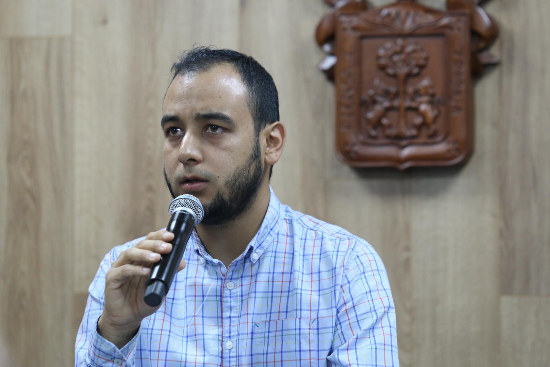 El presidente de la FEU Jesús Medina Varela en uso de la palabra