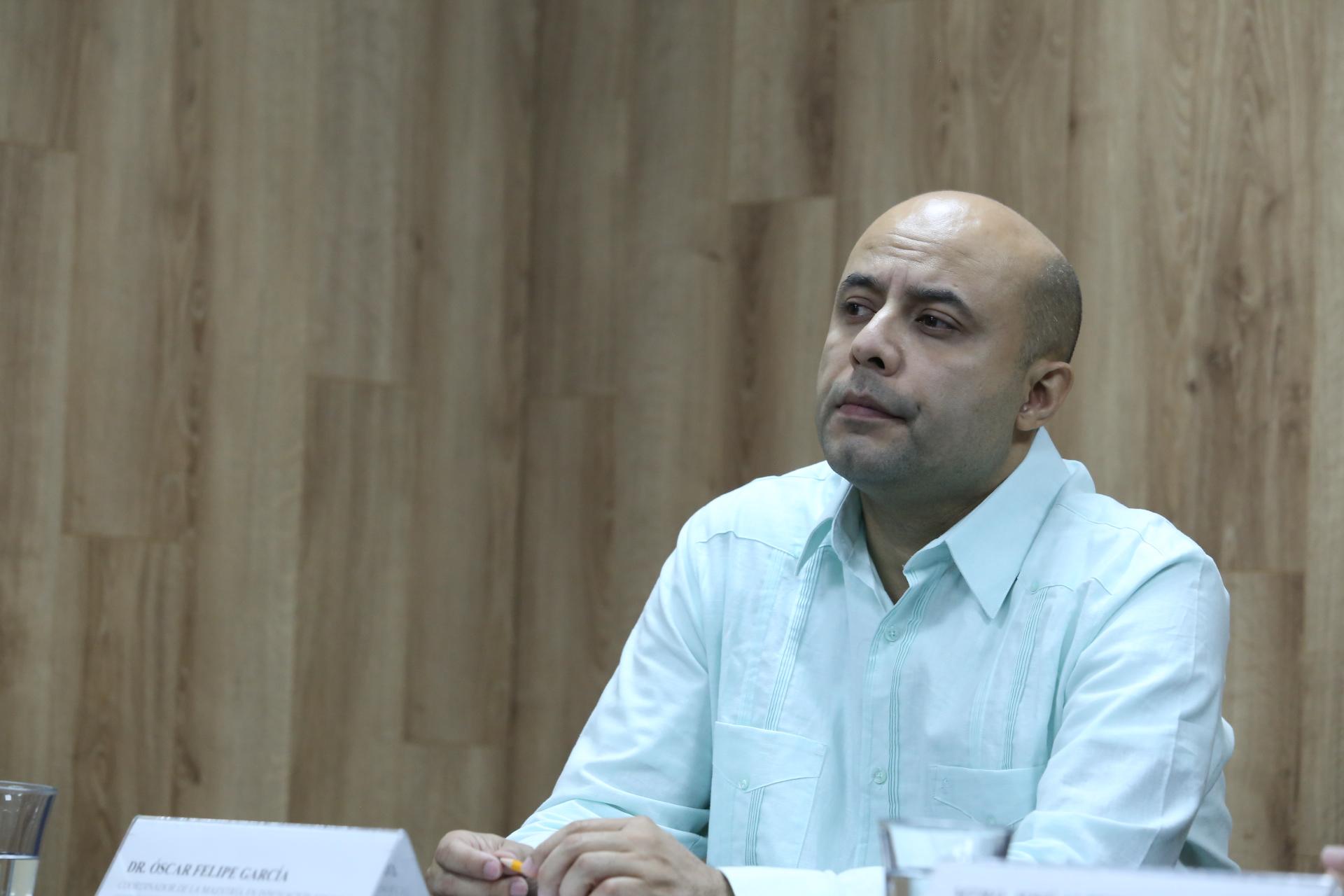 El Coordinador de la Maestría en Innovación Social y Gestión del Bienestar del CUCEA, doctor Óscar Felipe García, en uso de la palabra