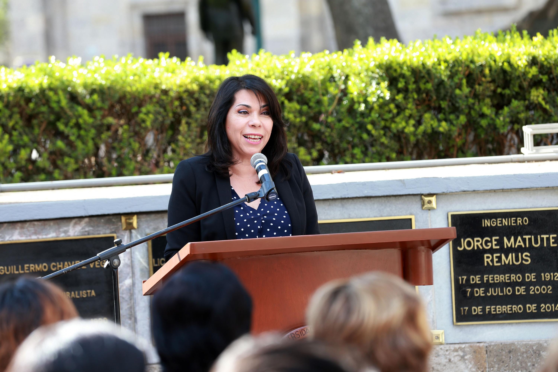 Doctora Patricia Córdova Abundis, Jefa del Departamento de Letras, del Centro Universitario de Ciencias Sociales y Humanidades de la Universidad de Guadalajara, en uso de la palabra