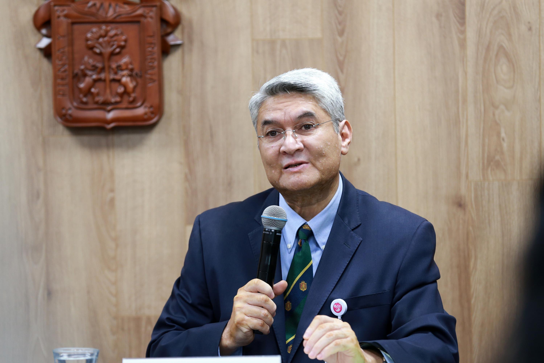 Jefe del Departamento de Neurociencias, del Centro Universitario de Ciencias de la Salud (CUCS), doctor Rodrigo Ramos Zúñiga en uso de la palabra