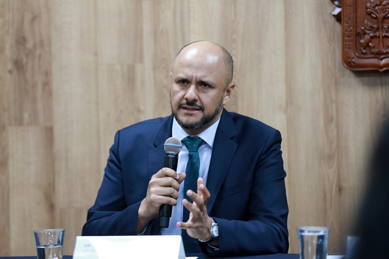 Jefe del Servicio de Neurocirugía Funcional, del Hospital Civil Fray Antonio Alcalde, doctor Rodrigo Mercado Pimentel en uso de la palabra