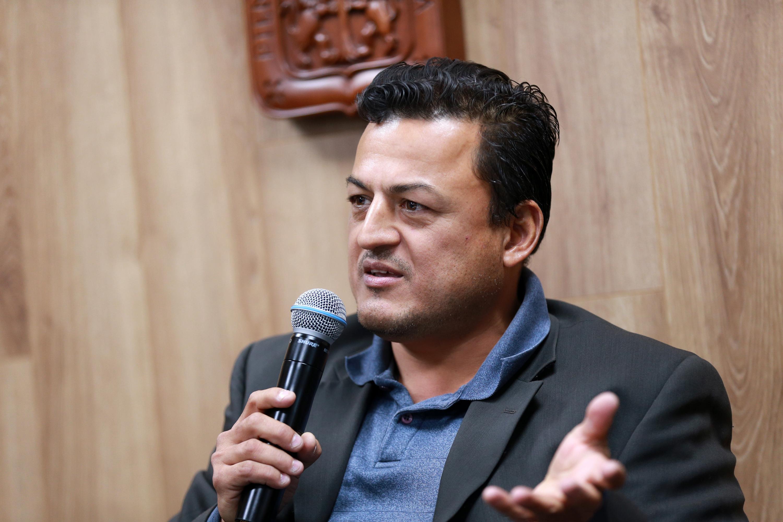 El Profesor investigador del Departamento de Medicina Veterinaria del CUCBA, doctor Mauricio Alberto Realpe Quintero, en uso de la palabra