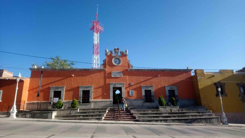 Fachada de la Casa de Indias, ubicada en la localidad de Cuexcomatitlán, en Tlajomulco