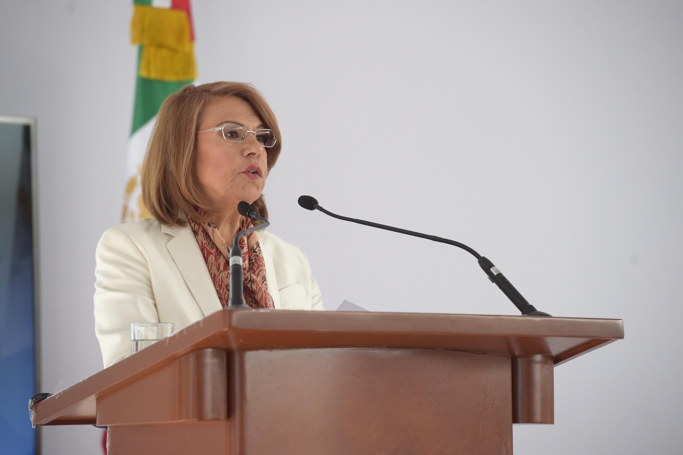 Rectora del Sistema de Universidad Virtual, doctora María Esther Avelar Álvarez, en uso de la palabra