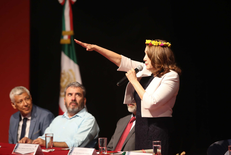 Doctora Lilia Oliver Sánchez, tomando protesta como Rectora del Centro Universitario de la Costa Sur (CUCSur), para el periodo 2019-2022