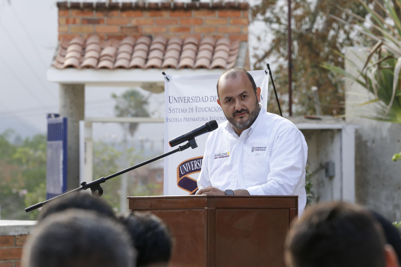 Rector General de la Universidad de Guadalajara, doctor Ricardo Villanueva Lomelí en uso de la palabra