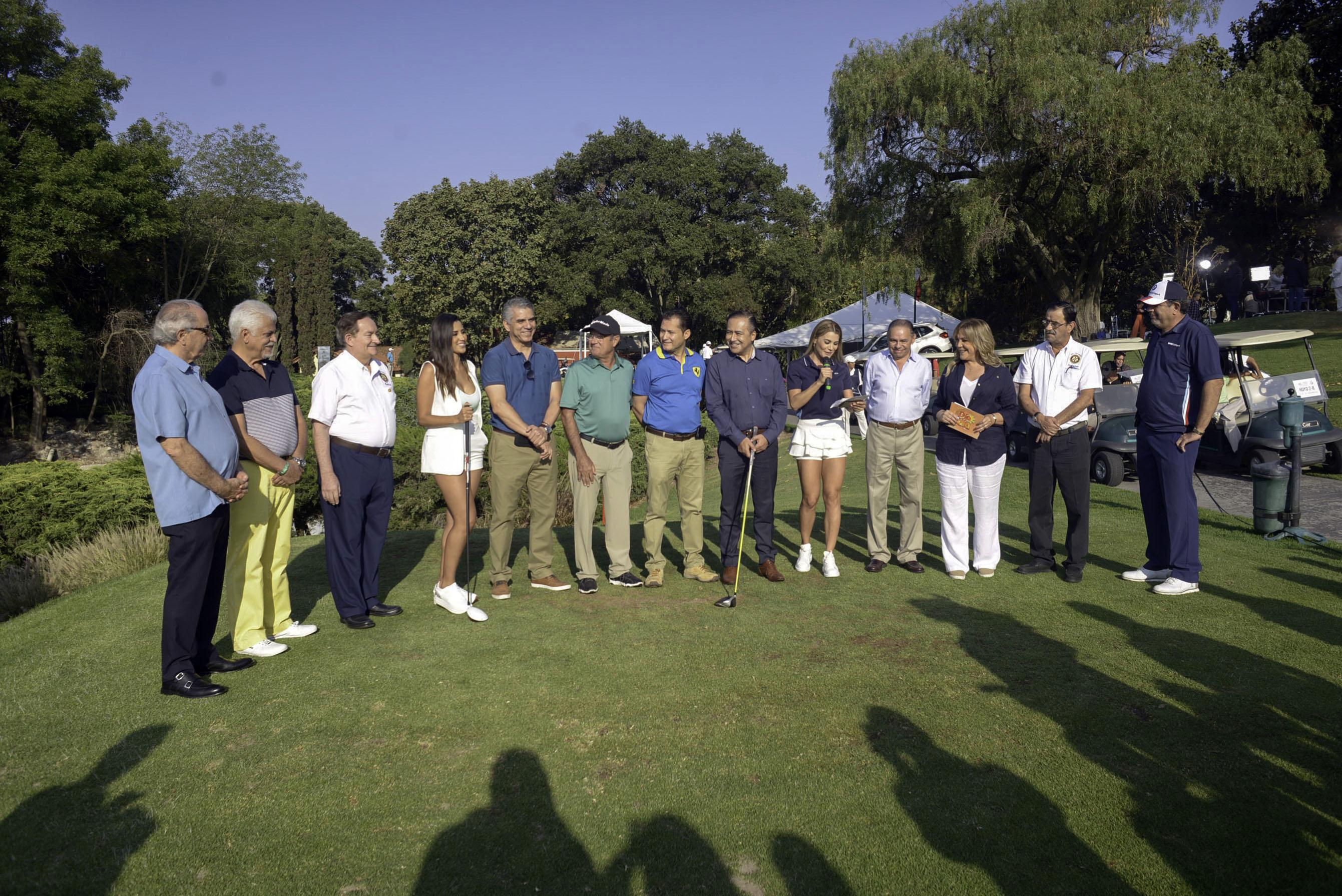 """Autoridades de los Hospitales Civiles y organizadores del 15vo. Festival de Golf """"Vivan los Niños con Cáncer"""""""
