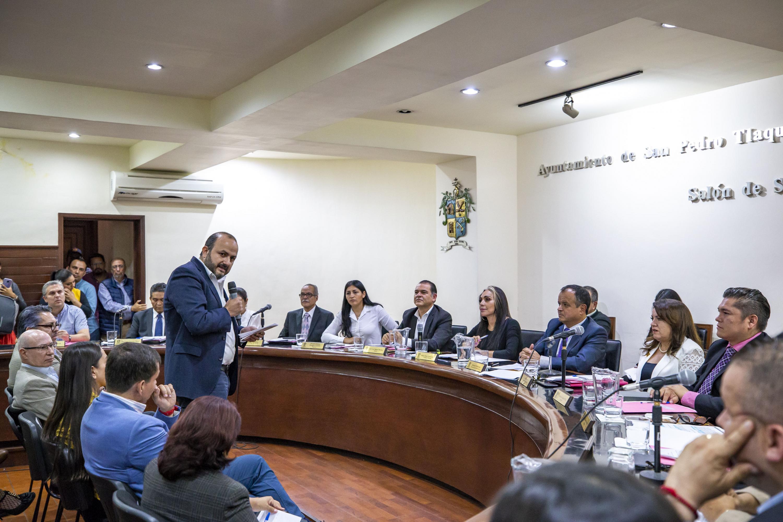 En sesión de cabildo, en el Ayuntamiento de Tlaquepaque, el Rector General de la UdeG, Ricardo Villanueva Lomelí en uso de la palabra