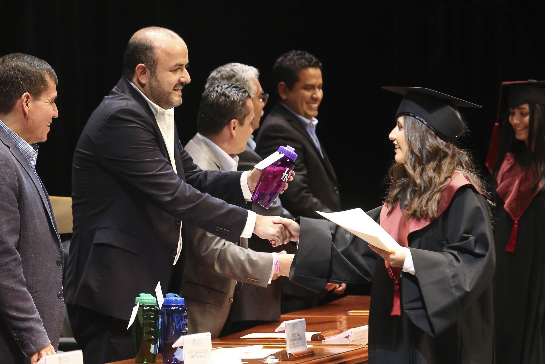 El Rector General de la Universidad de Guadalajara (UdeG), doctor Ricardo Villanueva Lomelí, apadrinó a la generación 2016 B -2019 A, de la Preparatoria 7