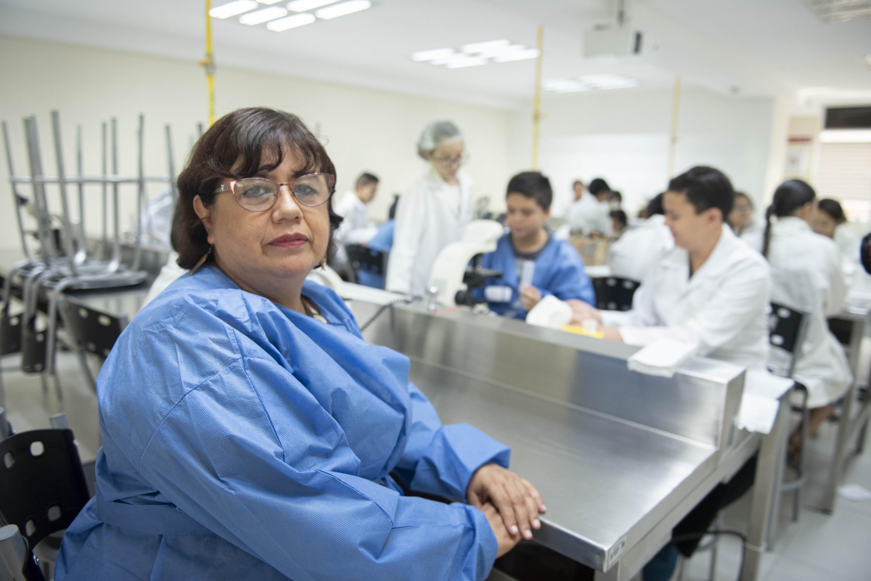La Directora del Laboratorio de Psicología y Educación Especial del CUCS, doctora María de los Dolores Valadez Sierra