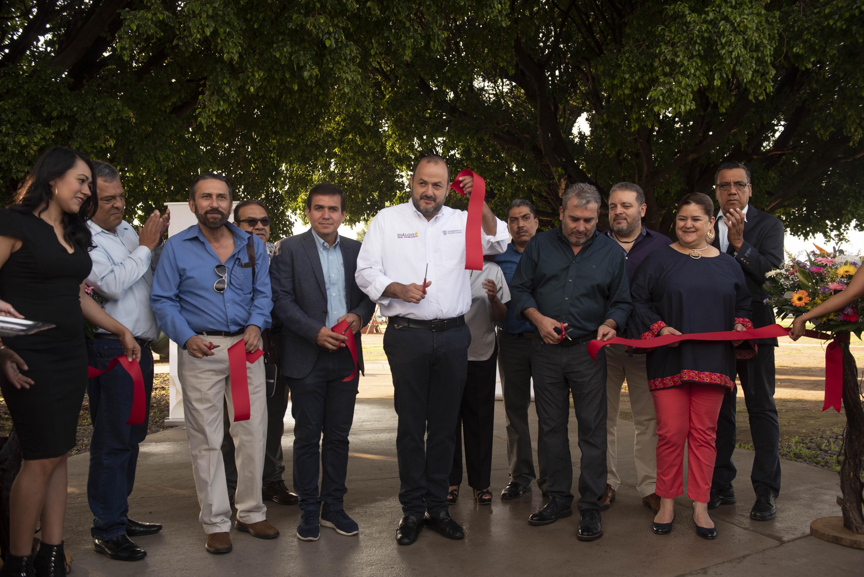 Autoridades universitarias en la inauguración del nuevo Centro de Convivencia del Sindicato Único de Trabajadores Universitarios de la UdeG (SUTUdeG)