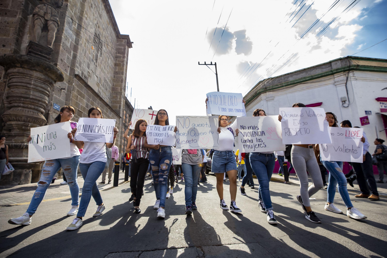 Estudiantes de la Preparatoria Jalisco en manifestación para exigir a las autoridades municipales que se refuerce la seguridad alrededor de los planteles de la Universidad de Guadalajara (UdeG)