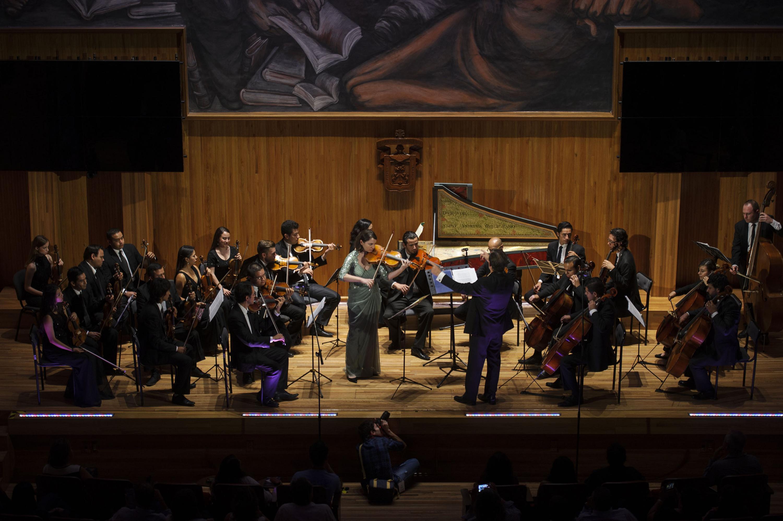 La Orquesta de Cámara Higinio Ruvalcaba en el Paraninfo de la Universidad de Guadalajara