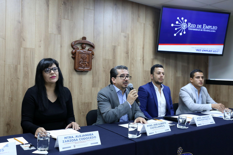 Autoridades universitarias en rueda de prensa de La plataforma Red de Empleo de la Universidad de Guadalajara (UdeG)