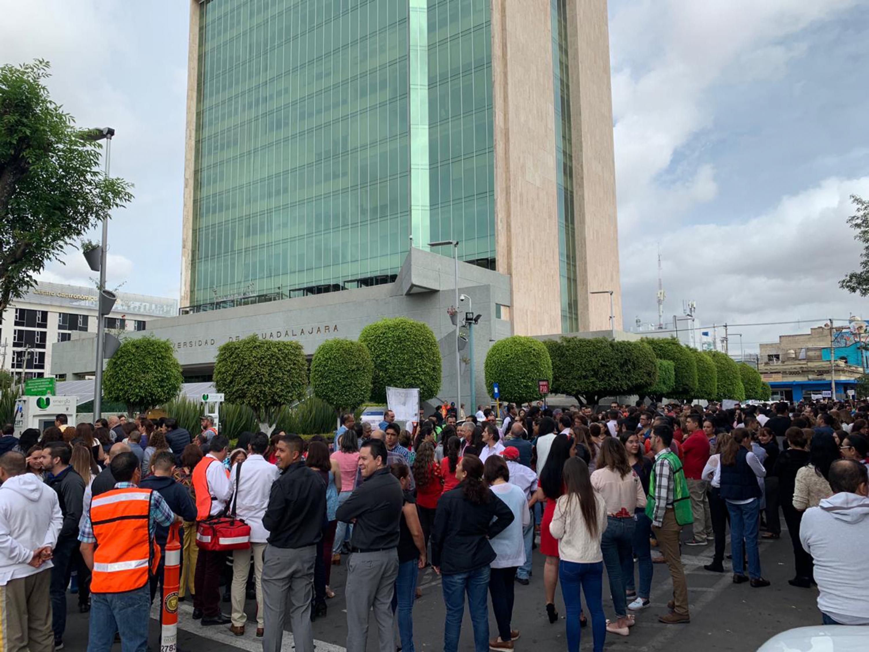 La Universidad de Guadalajara (UdeG) participó en el macrosimulacro con motivo del Día Nacional de Protección Civil, conmemorando lo ocurrido el 19 de septiembre de los años 1985 y 2017